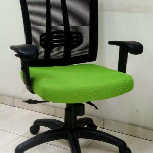 """כסא דגם """"נויה"""" מושב מרופד לפי בחירה"""