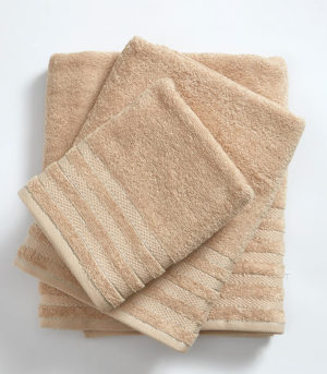מגבת רחצה 100% כותנה 450 גרם למ״ר במגוון צבעים גוף 68x125 מוקה חלק