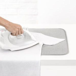 משטח לגיהוץ על שולחן/מיטה